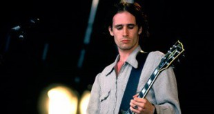 3201622113255761Jeff-Buckley-at-Glastonbu-011