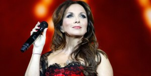 7775795184_helene-segara-lors-d-un-concert-a-bercy-le-16-decembre-2011-854x434
